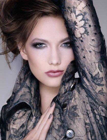 http://www.makeup4all.com/wp-content/uploads//2010/11/Dior-Spring-2011-makeup-collection-promo.jpg