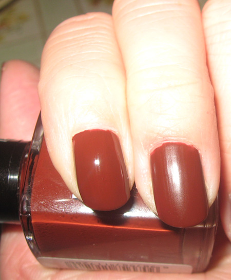 Nails of the Day: Inglot Nail Polish in 728 Matte | MakeUp4All