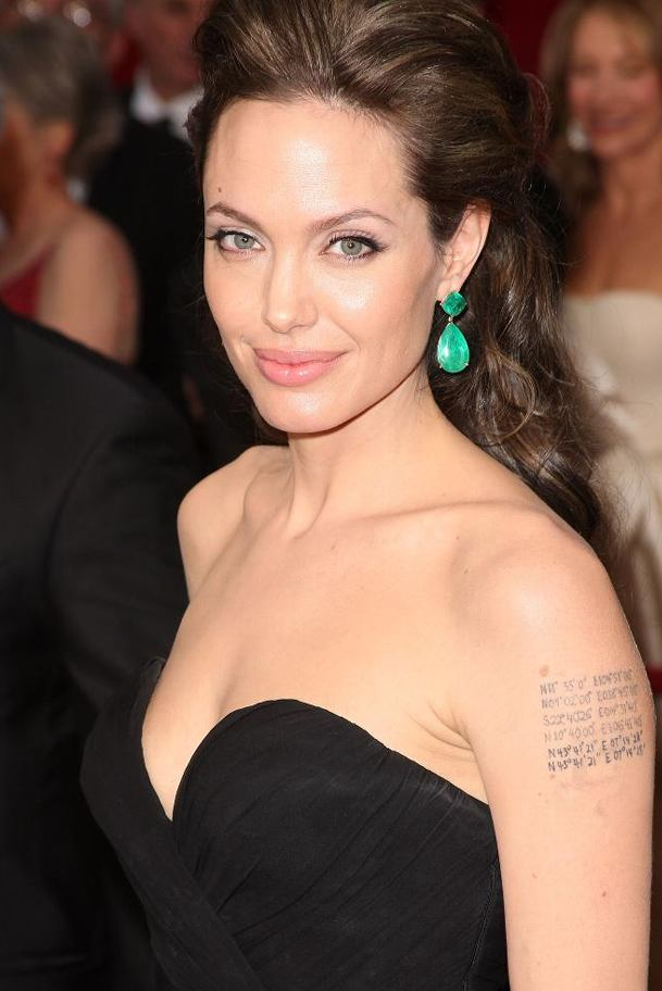 angelina_jolie_2009_academy_awards