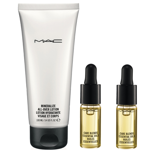 mac warm and cozy essential olis
