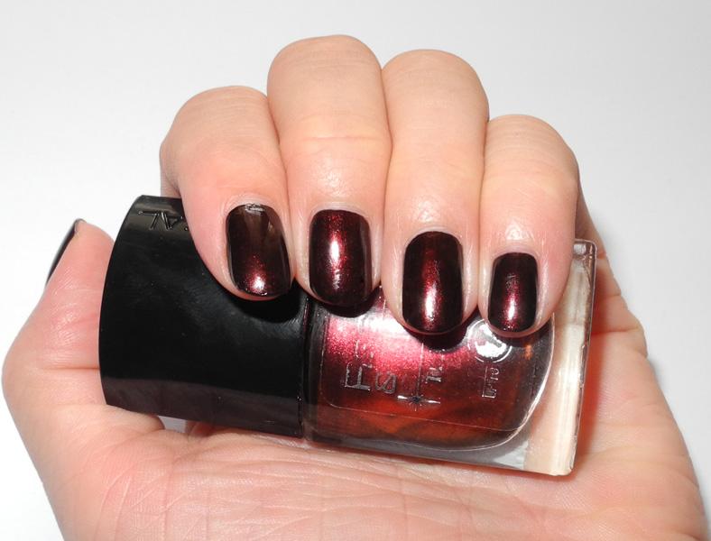 black red nail polish | MakeUp4All