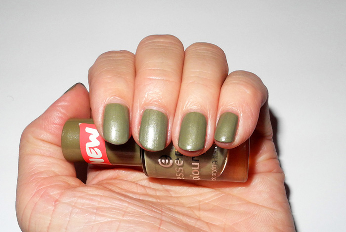 Nails Of The Day: Essence Nail Polish in High Spirits | MakeUp4All