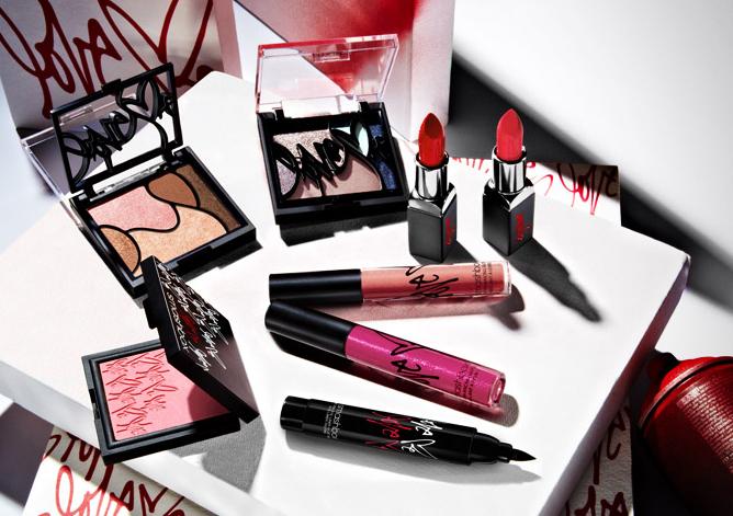 Smashbox Love Me Makeup Collection For