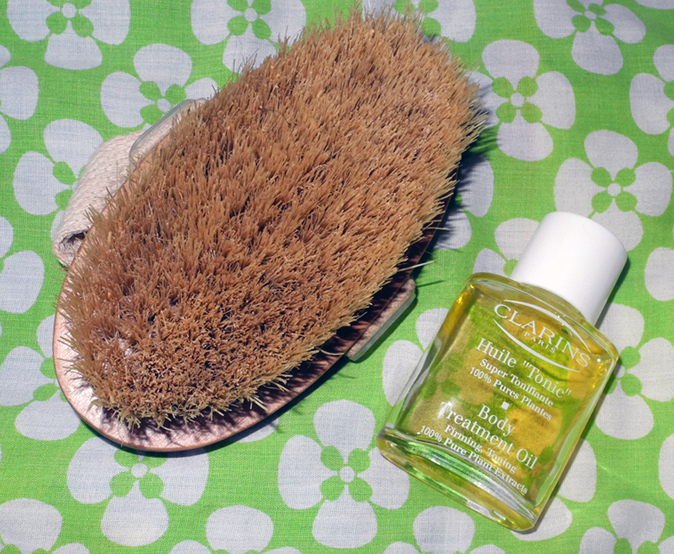 Elemis Body Brush and Clarins Body treatment Oil