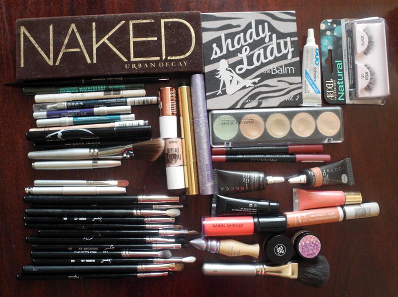 Makeup and brushes June Makeup4all