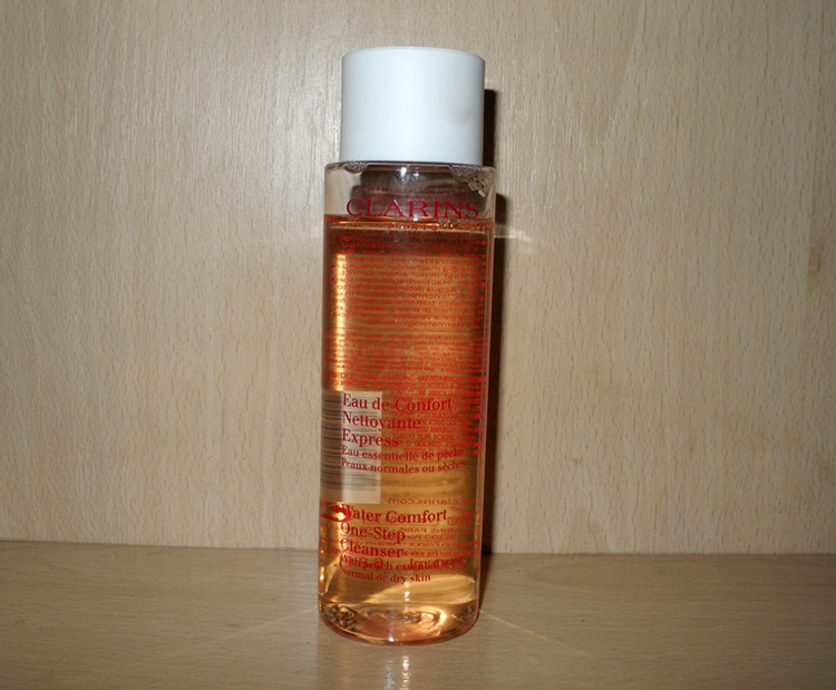 Clarins Water Comfort One-Step Cleanser with Peach Essential Water Review