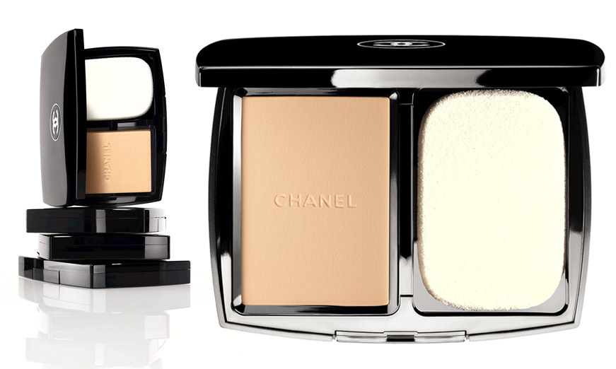 Chanel Vitalumière Compact Douceur product