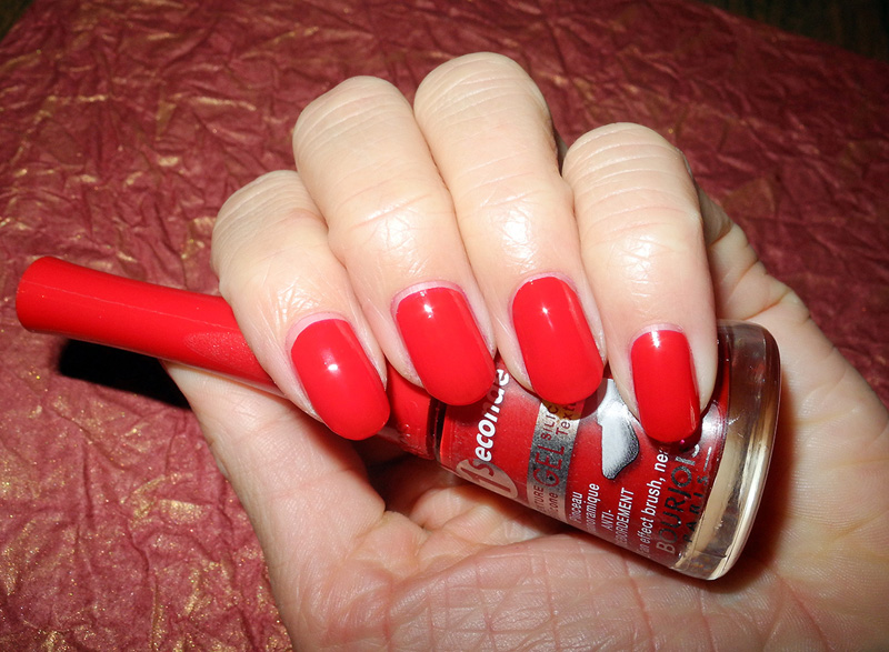 Bourjois 1 Seconde Nail Polish in 11 Style in Rouge nail swatches