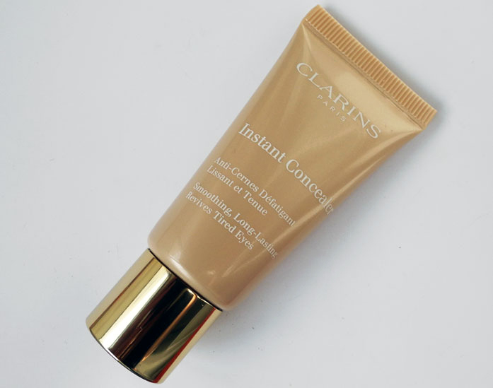 Clarins-Instant-Concealer--Review-and-Swatches 1