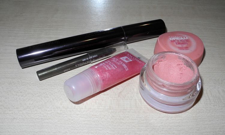 Hourglass mascara Maybelline blush Urban Decay eye liner Lancome gloss