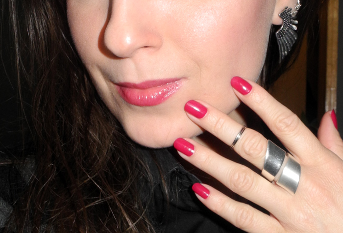 Lips and Nails of the day Rimmel and Bourjous makeup4all
