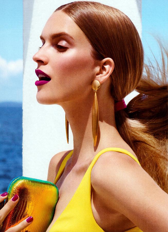 mirte-maas-by-regan-cameron-for-allure-us-december-lips glossy hair
