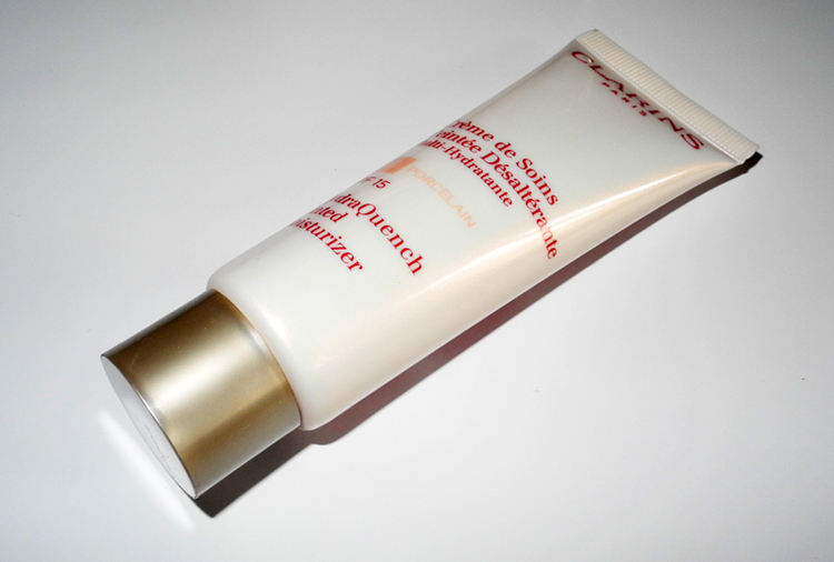 Clarins HydraQuench Tinted Moisturizer Review  00 porcelain