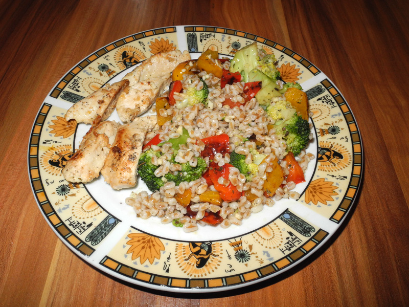 Clean and lean dinner Red and Yellow Pepper Spelt Salad makeup4all