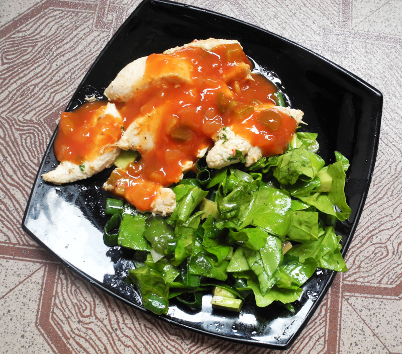 Clean and lean lunch Grilled Chicken Breast with Spicy Salsa and Spinach and Avocado Salad makeup4all
