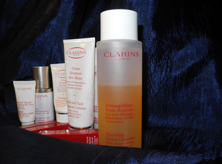 Clarins One-Step Facial Cleanser with Orange Extract Review