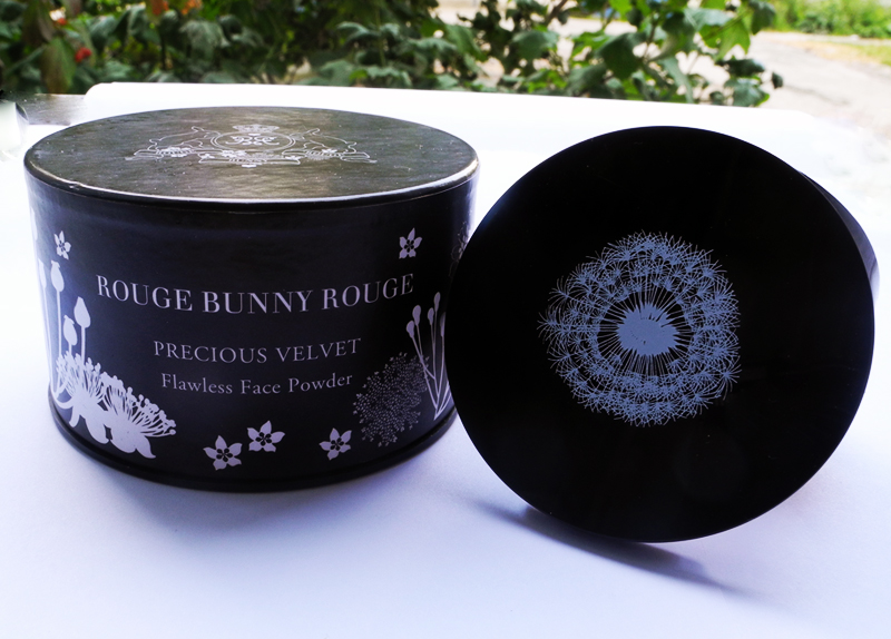 Rouge Bunny Rouge Flawless Face Powder Precious Velvet Review 1