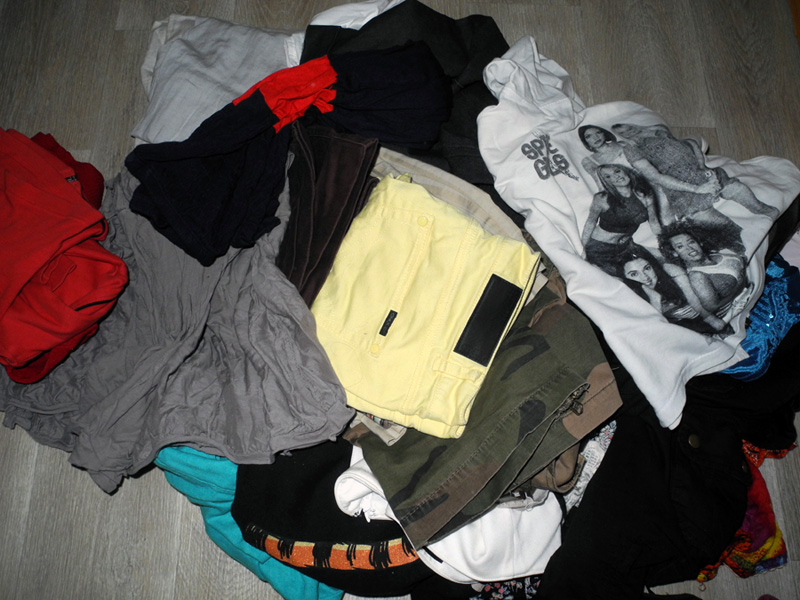 Clothes to Give Away makeup4all cleaning tips