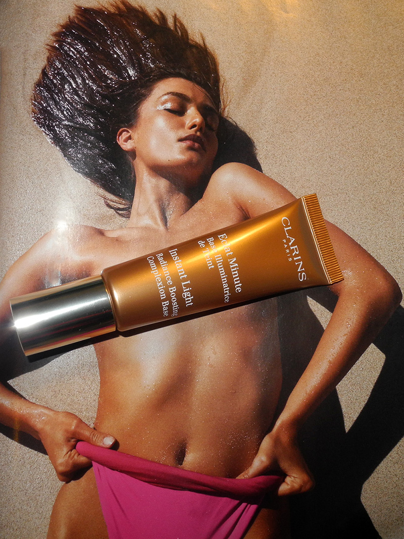 Clarins Instant Light Radiance Boosting Complexion Base in 05 Golden Bronze review and swatches