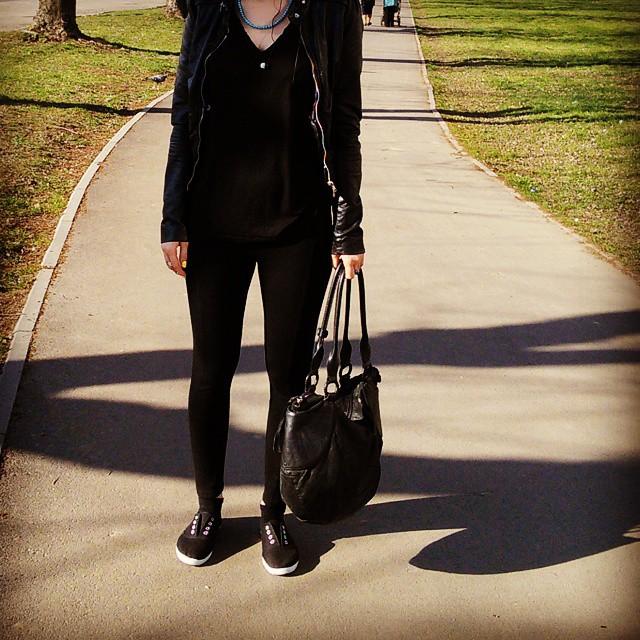 Marina makeup4all outfit black