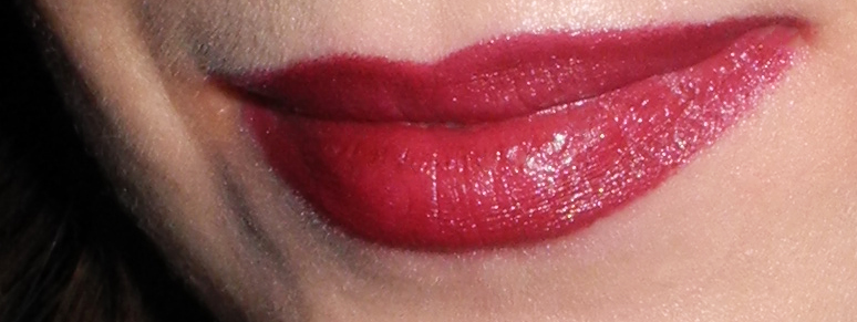 Maybelline ColorDrama Intense Velvet Lip Pencil in 310 Berry Much Review and Lip Swatches (1)
