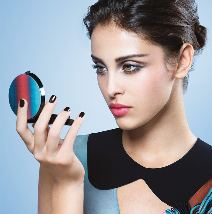 Armani AW2015 runway palette autumn 2015 collection promo with model 1