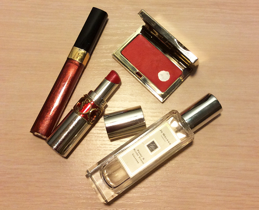 Inside My Mum's Makeup Bag chanel YSL Jo Malone Clarins