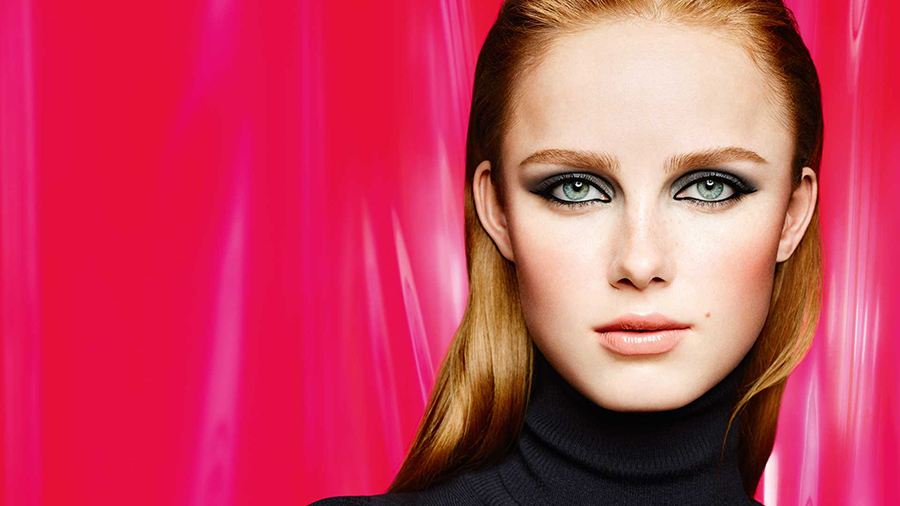 chanel-libre-makeup-collection-for-christmas-2016-promo-image