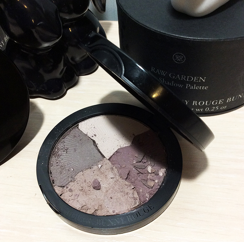 rouge-bunny-rouge-eye-shadow-palette-raw-garden-in-caliche-review-and-swatches