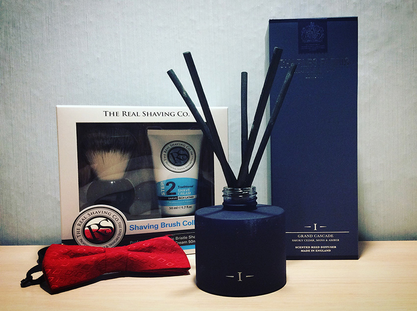 christmas-gift-guide-for-men-chales-farris-and-the-real-shaving-co